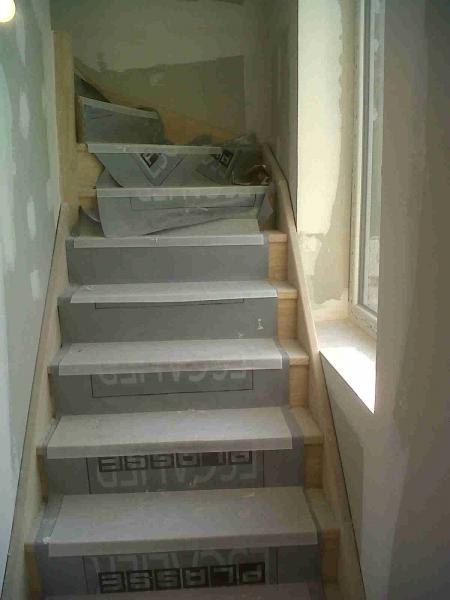 Escalier bois sur mesure bourgoin jallieu lyon trept - Escalier escamotable sur mesure ...